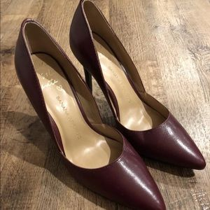 Banana Republic Womens Cranberry Red Heels Sz 7.5